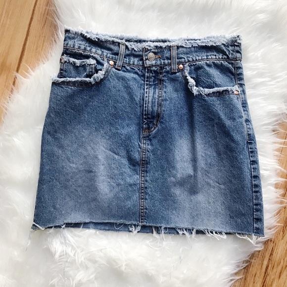 158fb2ea852 Vintage 90s denim frayed raw hem mini skirt 4/5. M_5bcd1db5df030719d8eaa55e